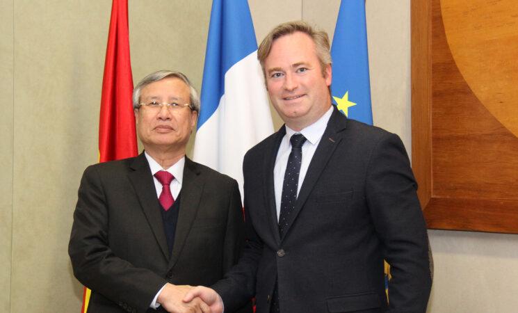 Việt Nam và Pháp cam kết mạnh mẽ làm sâu sắc hơn quan hệ Đối tác Chiến lược trên các lĩnh vực