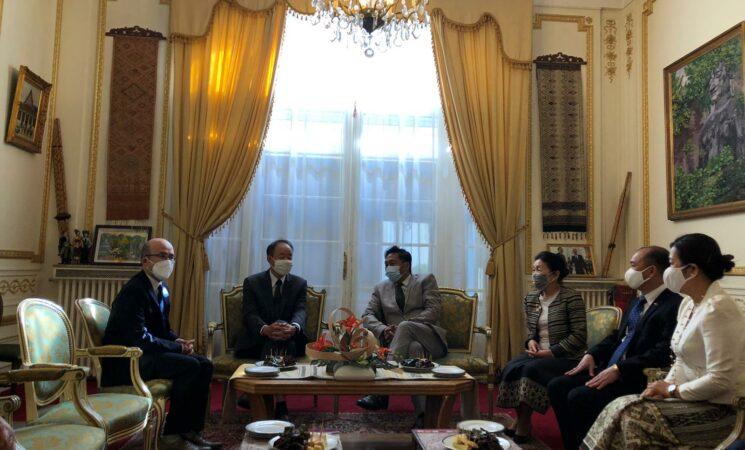 Đại sứ Việt Nam tại Pháp Nguyễn Thiệp chúc tết cổ truyền Lào