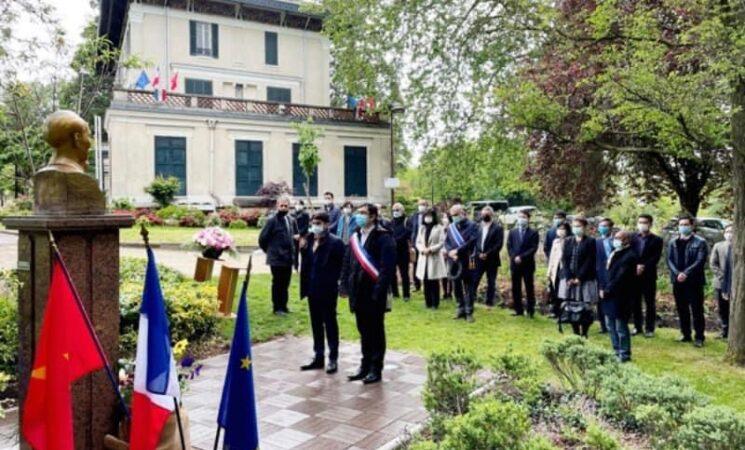 Kỷ niệm 131 năm Ngày sinh Chủ tịch Hồ Chí Minh tại Pháp